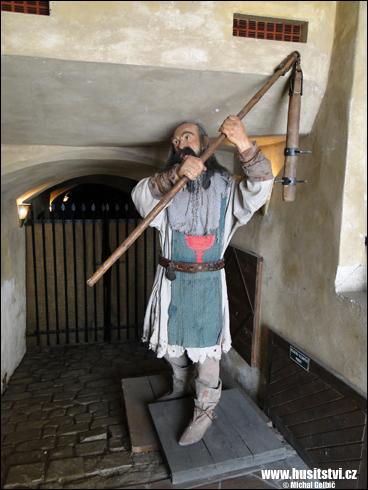 Figurína husitského bojovníka v Českém Krumlově