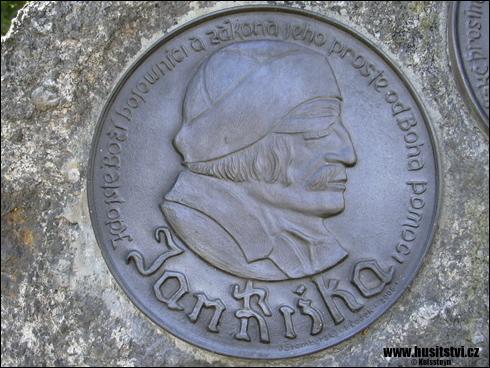 Kostelec nad Černými lesy – památník Jana Husa a Jana Žižky