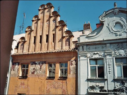 Plzeň – Dům u Matky Boží ve Veleslavínově ulici