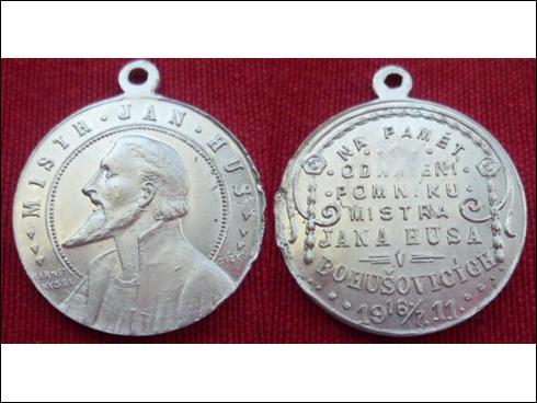 Medaile s očkem – Na paměť odhalení pomníku mistra Jana Husa v Bohušovicích (1911)