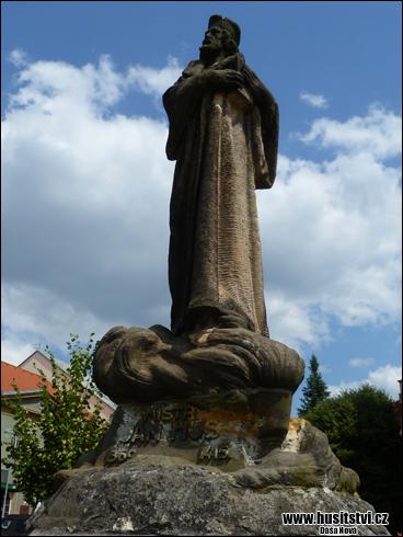 Radnice - památník Jana Husa [foto: Dáša Nová, © www.husitstvi.cz]