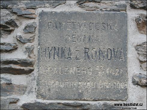 Kolín - pamětní deska Hynka z Ronova