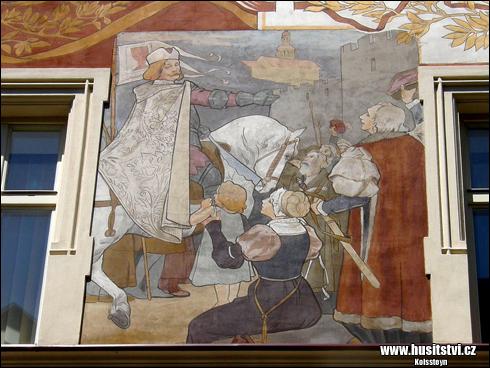 Náchod - vyobrazení Jiřího z Poděbrad na domě čp. 247