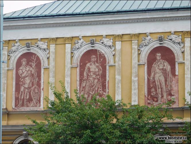 Mnichovo Hradiště - dům č.p. 1 na  Masarykově náměstí