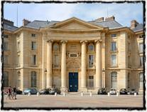 Sorbonna, hlavní sídlo univerzity na Place du Panthéon.