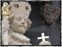 Detail sochy krále Václava IV. ze Staroměstské mostecké věže.