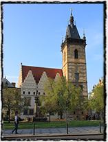 Novoměstská radnice, místo první pražské defenestrace (radniční věž byla postavena až v druhé polovině 15. století)