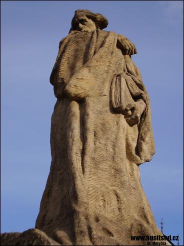 Hořice – Husův památník, Žižkův památník a další památky