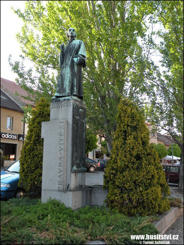 Roudnice nad Labem – památník Jana Husa