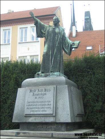 Louny – památník Jana Husa