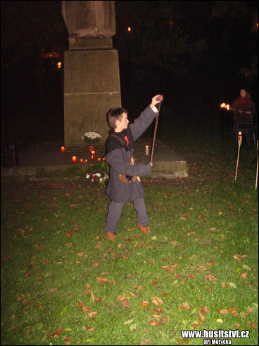 Shromáždění u Žižkova pomníku v Hradci Králové při příležitosti 590. výročí Žižkovy smrti (11.10.2014)