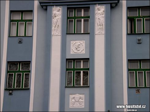 Pardubice – dům č.p. 516 s plastikami