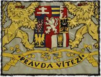 Tomáš G. Masaryk si za svou prezidentskou standartu vybral státní znak s husitským textem: