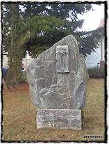 Pomník upáleným pikartům v Klokotech