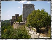 Hrad Cornštejn, který byl v letech 1464 - 1465 obléhán a nakonec dobyt moravskou zemskou hotovostí.