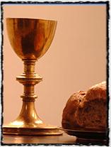 Symboly husitství: kalich s vínem a chléb nachystaný pro vysluhování Večeře Páně pod obojí způsobou, které bylo součástí jednoho ze 4 artikulů (zdroj: www.nase-reformace.cz).